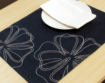 Dark Blue Placemats,  Linen Placemats set of 4, Dark Blue Linen White Flowers, Embroidered Placemats, Table Linen, Fabric Placemat, Tabletop