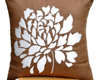 Flower Throw Pillow Cover, Decorative Pillow Cover, Russet Brown Linen  Off White Dahlia, Embroidered Pillow, Couch Pillow, Floral Cushion