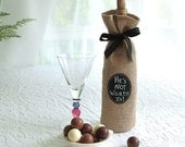 Burlap Wine Bottle Bag with Re-Useable Chalkboard Labels - Great for Gifting and Seasonal Decorating