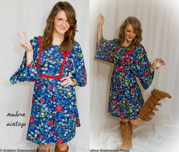 Boho Hippie Dress 60s Spring Floral Blue Vintage - Small / Medium - Bell Sleeve