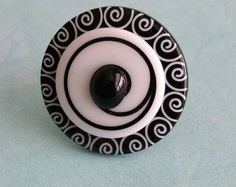 Black and White Swirl Button Ring