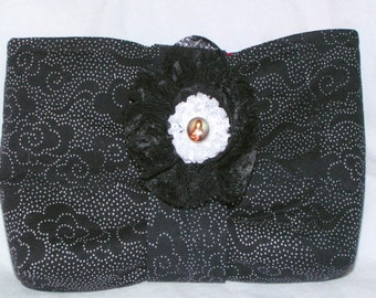 Retro Bettie Black Lace-Print Clutch Purse and  Brooch
