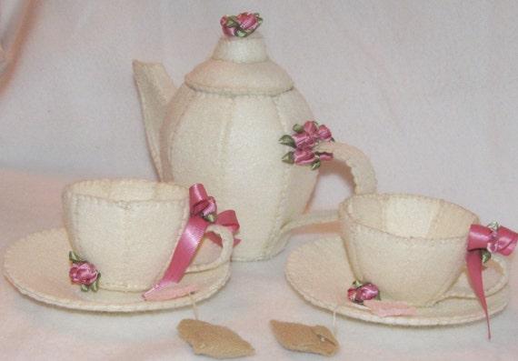 Lady Sassafras felt tea set