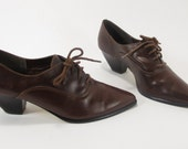 1980s Brown Leather Low Heeled Oxford Style Size 6