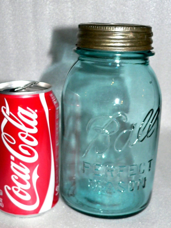 Vintage Blue Ball Mason Quart Jar Glass Lid Wedding Vases Canister