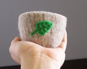 felted wool bowl - small oatmeal felted bowl with eco felt mint green leaf embroidered in cotton - spring home decor, ring holder