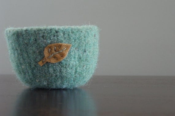 FREE SHIPPING - fuzzy seafoam green tweed felted wool bowl with eco felt tan leaf- gifts for coworkers, nature lovers, secret santa