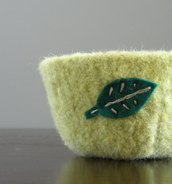 felted bowl - pale green felted wool bowl with emerald green eco felt leaf embroidered in cotton - spring home decor, Easter candy dish