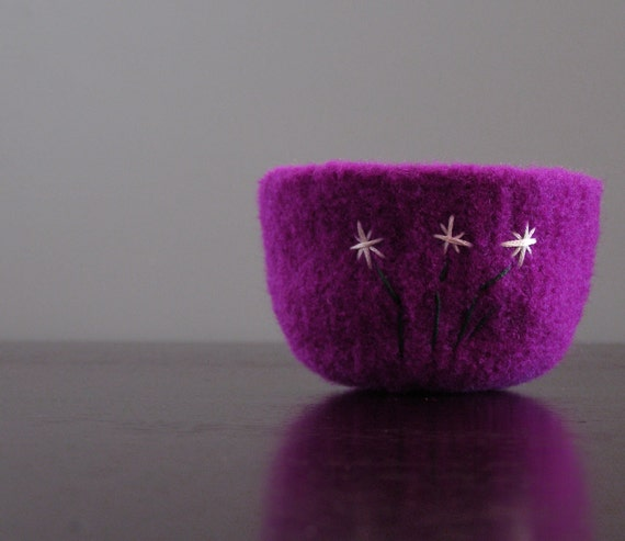 felted bowl - fuchsia wool bowl with white embroidered flowers and dark green stems
