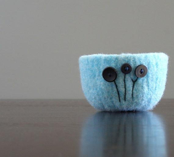 felted wool bowl -  sky blue with gunmetal grey flowers - ring holder, desk organizer, jewelry holder