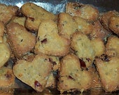 Dog Treats Cookie Biscuits Healthy Organic Heart Cheese,Cranberry, Sunflower Seed , Wheat Free ,Gift for the Hounds