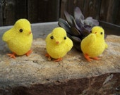 Vintage Art Supplies , Flocked Chicks , Vintage Miniature Yellow Flocked Chick Lucky 7 pieces