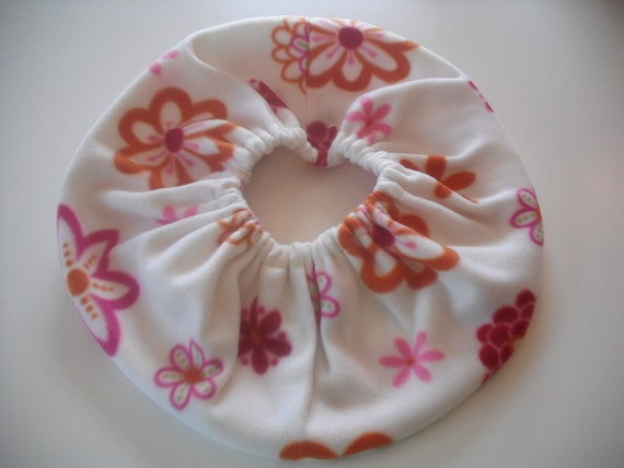 RaToob, Fuschia Orange and Pink Flowers on White