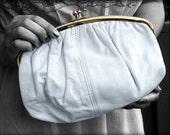 vintage WHITE kiss lock CLUTCH