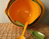 Green and Gold Nesting Bowls with Spoons
