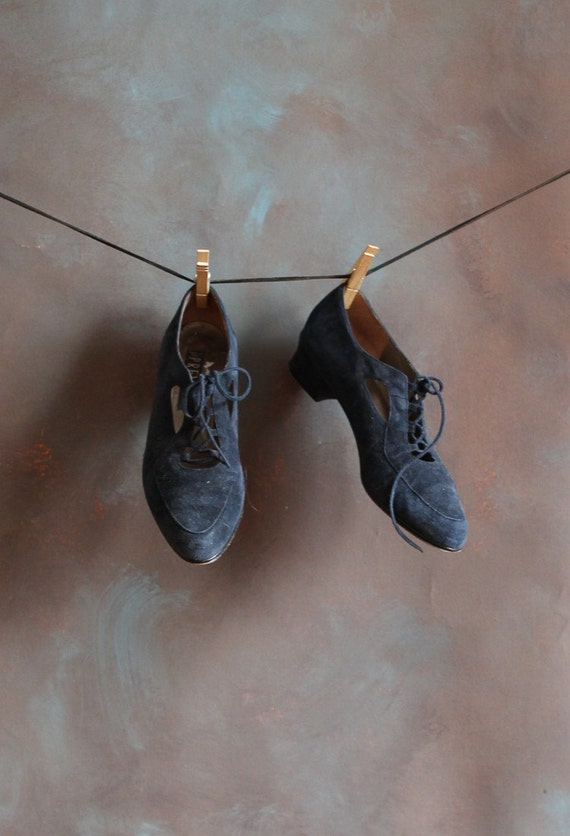 Women's Blue Suede Laced Shoes Oxfords, size 8 1/2 - 8.5