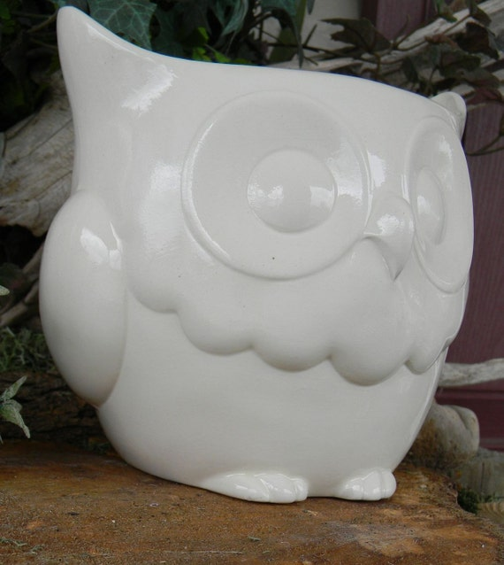 Large Ceramic Owl Planter .... Modern White ceramic Glazed -       Serving bowl -1/2 gallon