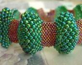 Bumpy Peyote Bracelet / Peyote Bracelet / Beaded Bracelet in Rainbow Green and Rainbow Topaz (Made To Order) Seed Bead Bracelet / Beadwork