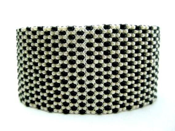 Beadwork Peyote Bracelet in Black and Cream Seed Bead Beaded Beadwoven  Classic