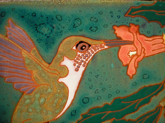 Hummingbird tile female rubythroat feeding at trumpet vine flower, in the arts and crafts style, great for birders