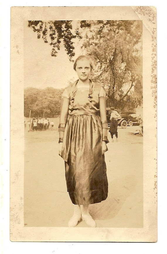 vintage photo edwardian girl model t cars teen girl fashion