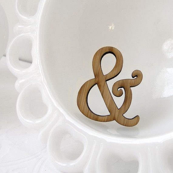 Harrington Ampersand Pin in Bamboo
