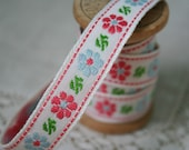 Daisy Ribbon Trim - Pink and Blue - 1 Yard