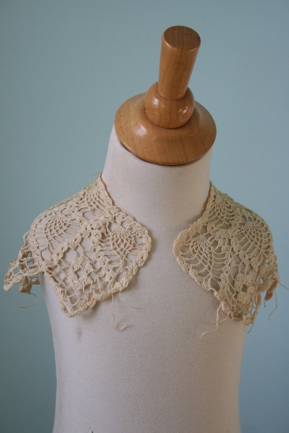 Vintage Lace COLLAR - Off White, Crocheted