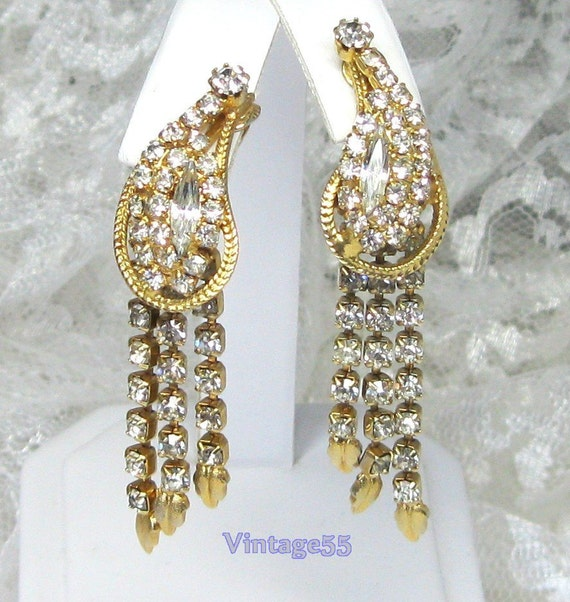 Vintage Earrings Rhinestone Gold tone  clip on