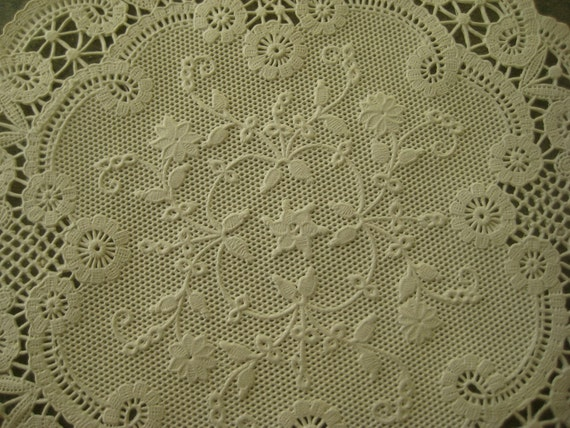 Vintage Ivory-Colored Paper Doilies in Original Box by BettyAndDot