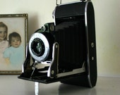 Vintage Viking Camera in nice condition great for display