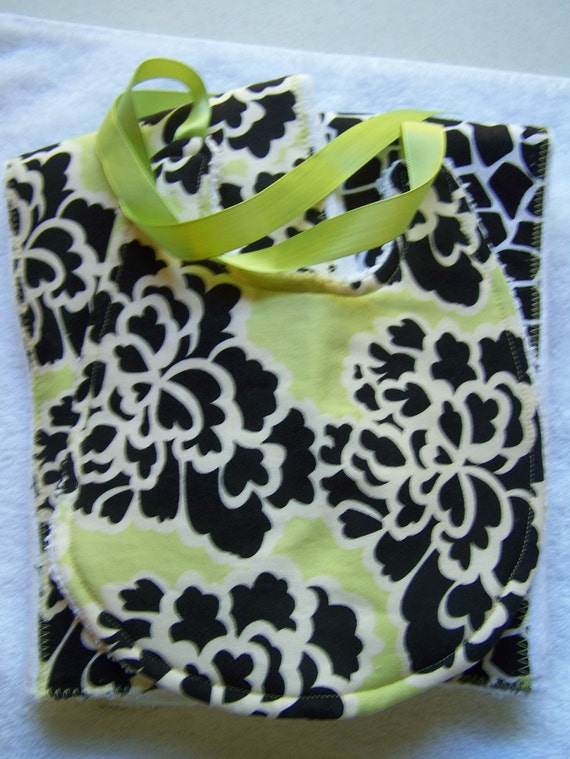 Baby burp cloth and bib set. Black, white, lime, giraffe. 3 piece Boutique style baby shower gift.