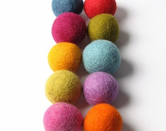 3CM Felt Balls/10-Piece Multi Mix