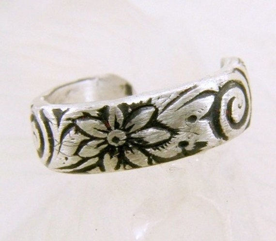Sterling Silver Pattern Toe Ring or Band Ring (Oxidized)