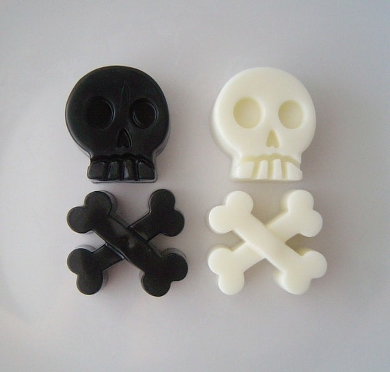 Skull And Cross bone Soap Set  - Glycerin and Goat Milk Soap - Red Apple Scent - Party Favor - Easter - Novelty - Teen - Shaped Soap
