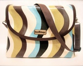 """LAST ONE! iSacha Purse - designed to carry your iPad in style - """"Waves"""""""