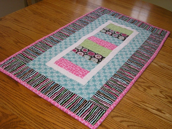 Bright and Black Stacked Coins Runner