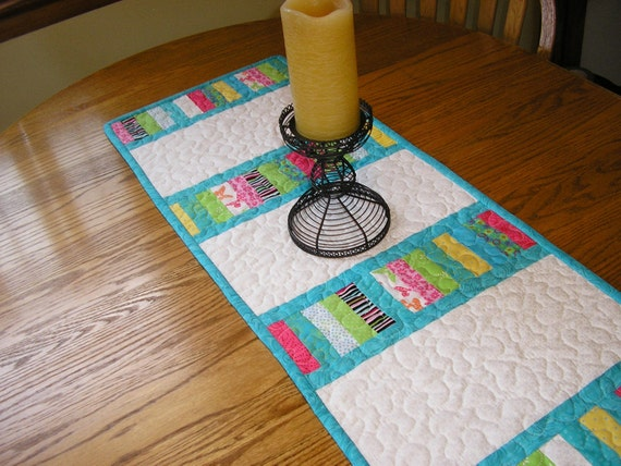 Bright Stacked Coins Table Runner