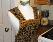 Vintage Style Apron in Black and Gold - size Petite to Medium