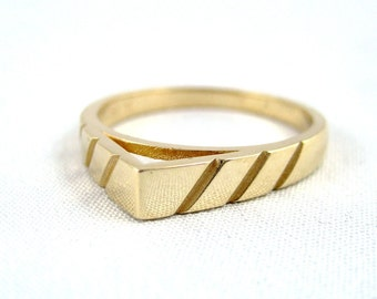 Vintage Wedding Band - 14K Yellow Gold - Circa 1970's - Retro Wedding Band - Vintage Jewellery from A Second Time
