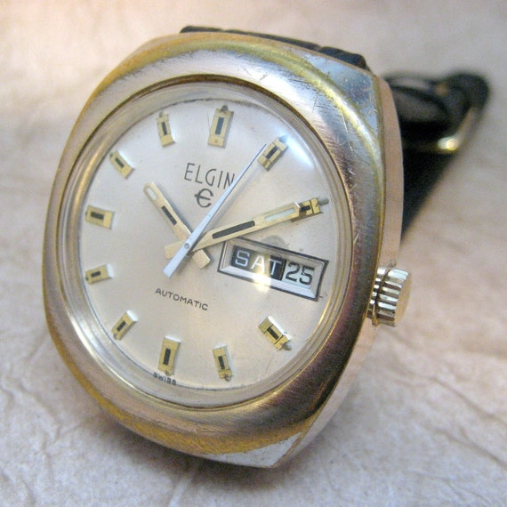 Vintage Elgin 17 Jewel Swiss Made Wrist Watch - Automatic Movement - Circa late 1960's - Mad Men Style
