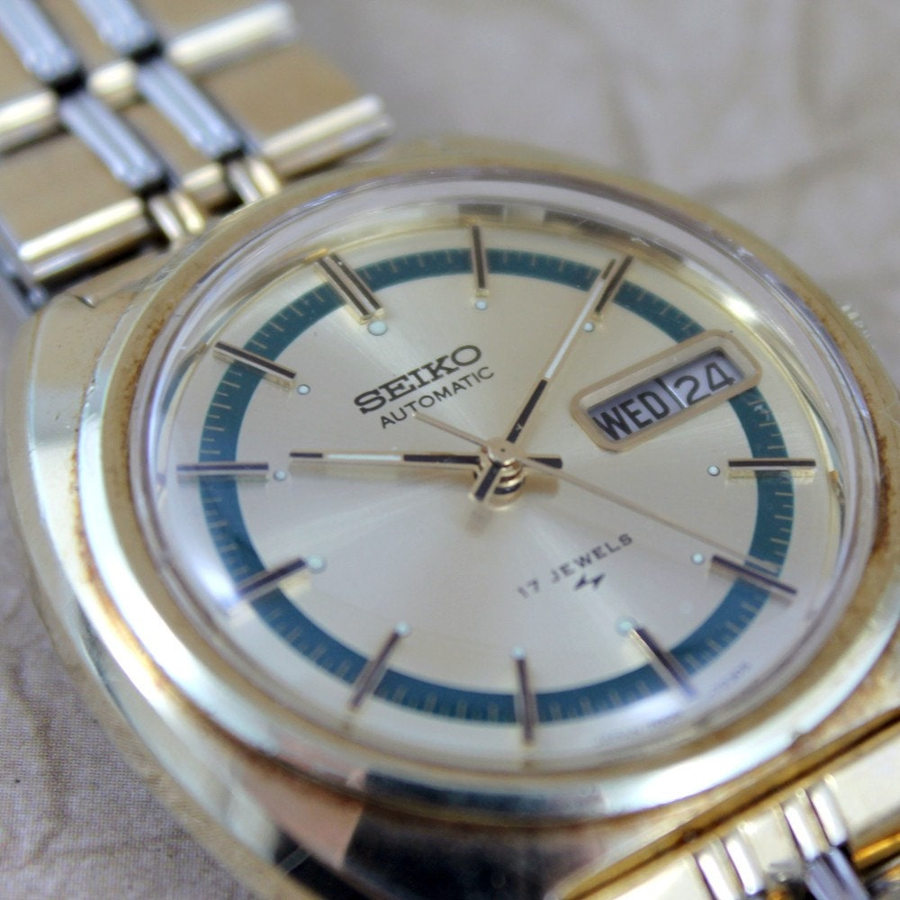 Vintage gents seiko automatic movement watch model 7006 7109 for Auto movement watches