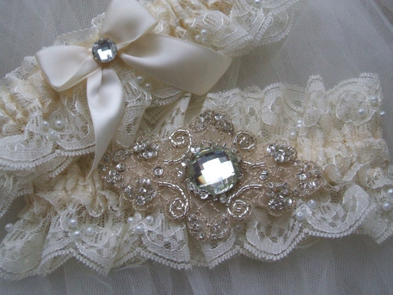 Wedding garter Chantilly beaded lace with embroidered and beaded applique