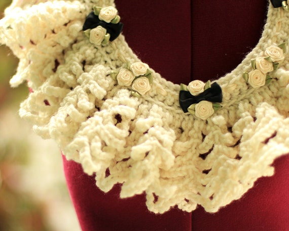 Victorian Lace Collar - Romantic Ivory Crochet - Fall Fashion