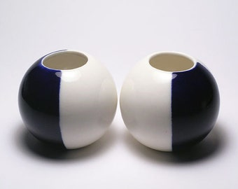 Two Sphere Vases in White and Dark Blue