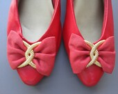 Vintage Bright Red Flats with Bow & Gold Accent, Kitten Heel Height- Fall Fashion, Circa 1980s, Faux Leather, size 9