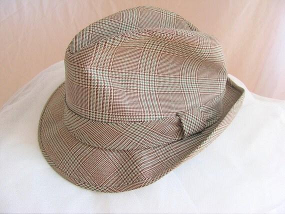 Vintage Hat. Fedora. Mens or Womens. Tan. Beige. Plaid. Green. Circa 1970s. Size 7 3/8. Mad Men.