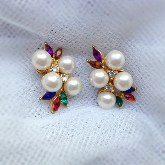 Reserved- Vintage Pearl Rhinestone Earrings. Gold. Ivory Pearl. Classic Dainty Earrings. Red Blue Green. 1970s. Gifts for Her. Spring.
