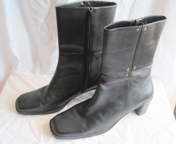 Sale- Vintage Black Leather Boots. Low Heel. Aerosoles. Size 8.5. 1990s. Black Shoes. Boots. Footwear.