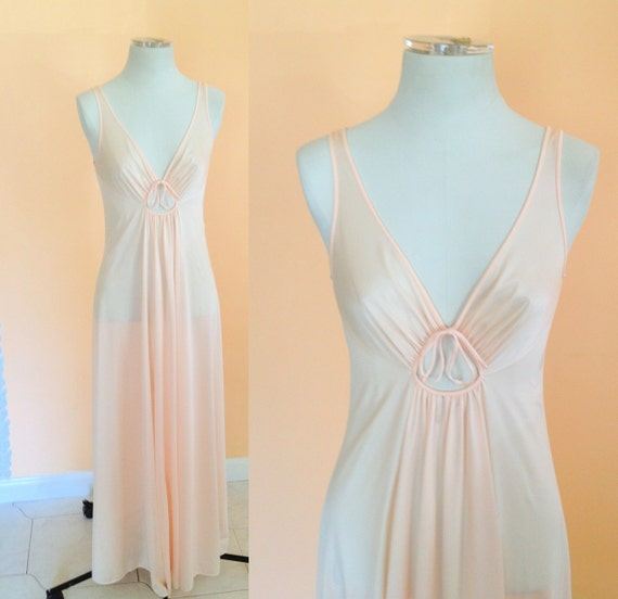 Vintage Light Peach Maxi Nightgown. Long Nightgown. Sheer. Peach. Light Pink. Romantic. Lingerie. Wedding. Size Medium. V Neck. 1970s.